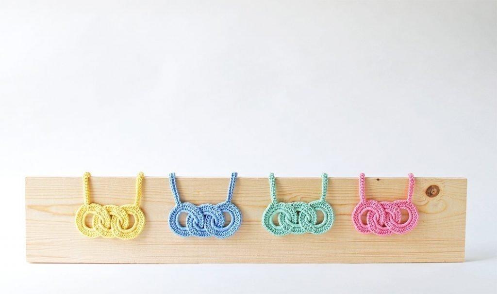 Tiny Curl Crochet Pastel Link Necklace