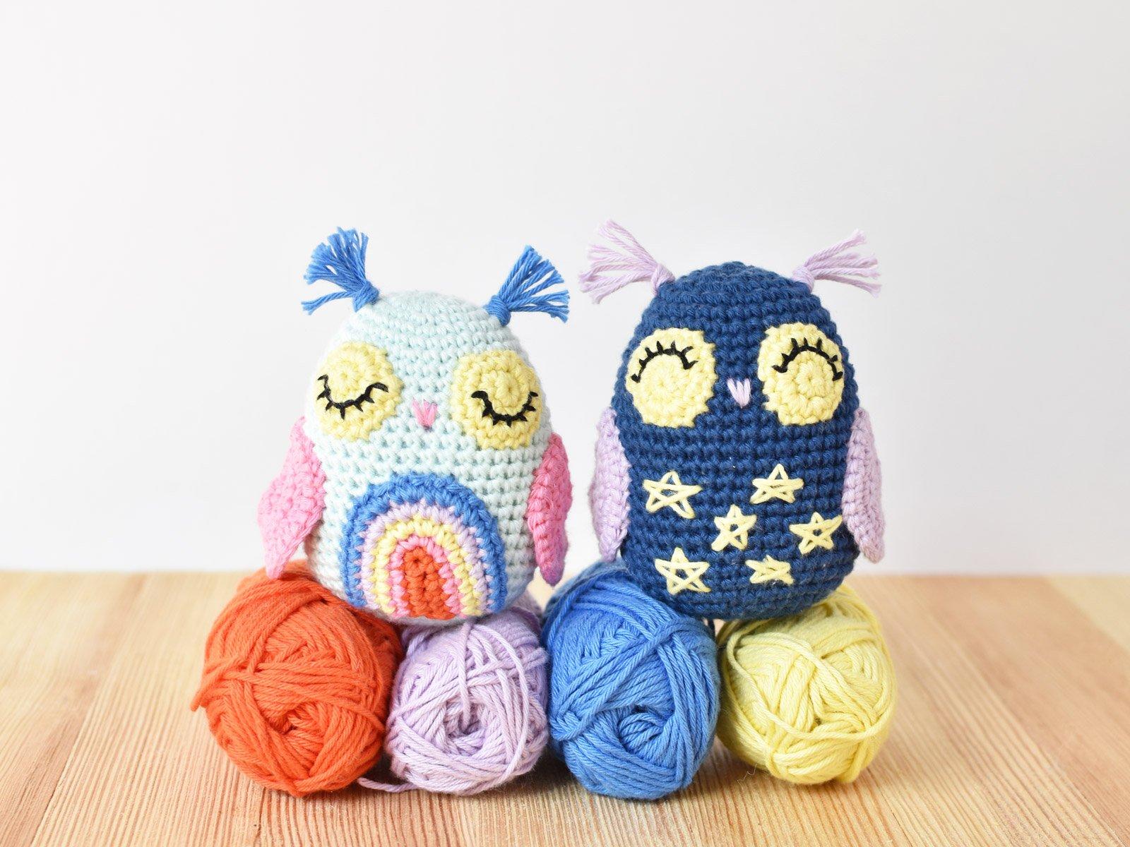 Day & Night Owl Amigurumi sit o top of 4 balls of Ricorumi dk weight yarn