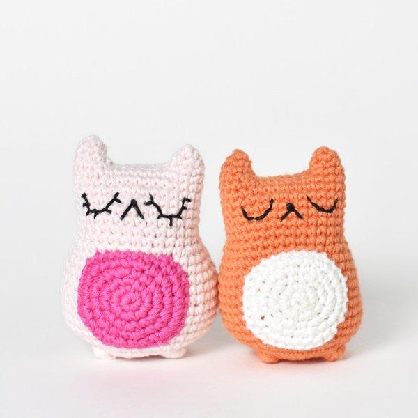 two amigurumi cats